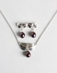 Freshwater pearl and silver pendant with matching earrings