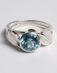 Silver london blue topaz and leaf ring | Starboard Jewellery