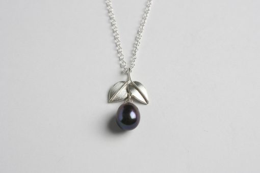 Freshwater pearl and silver pendant