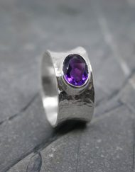 Silver ring with Amethyst gemstone
