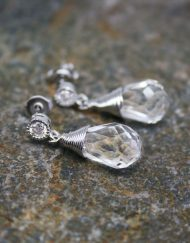 Beautiful crystal drop earrings