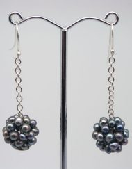 Freshwater pearl cluster earrings