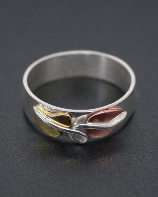 Handmade silver ring with leaf details | Starboard Jewellery