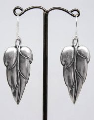 Vintage style silver plated leaf earrings