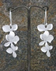 Elegant three long flower drop earrings