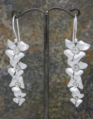 Elegant four long flower drop earrings