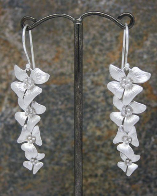 Elegant four long flower drop earrings
