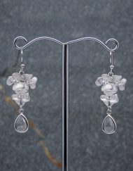Flower & crystal drop earrings