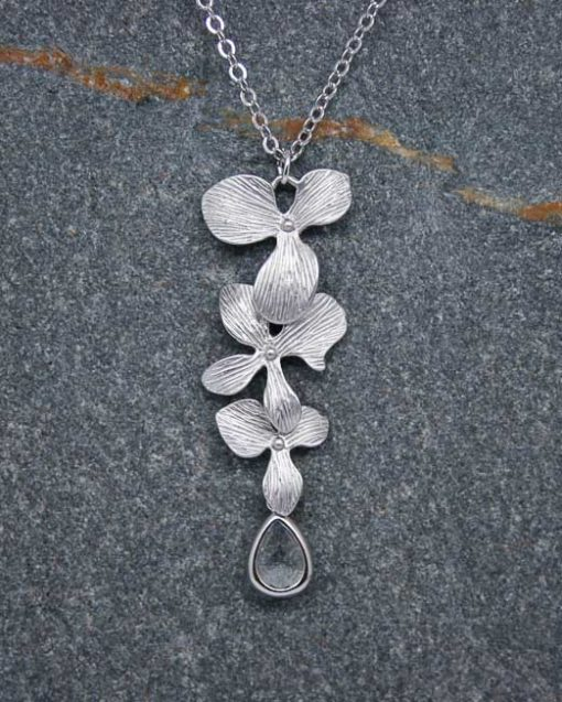 Orchid and crystal necklace 1