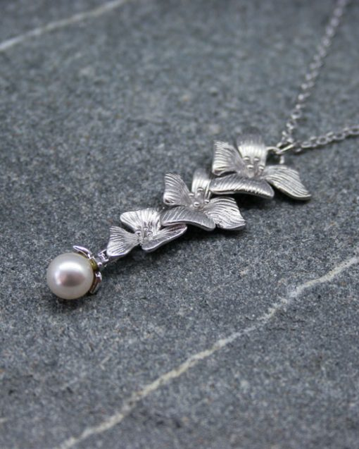 Hibiscus flower and pearl necklace 2