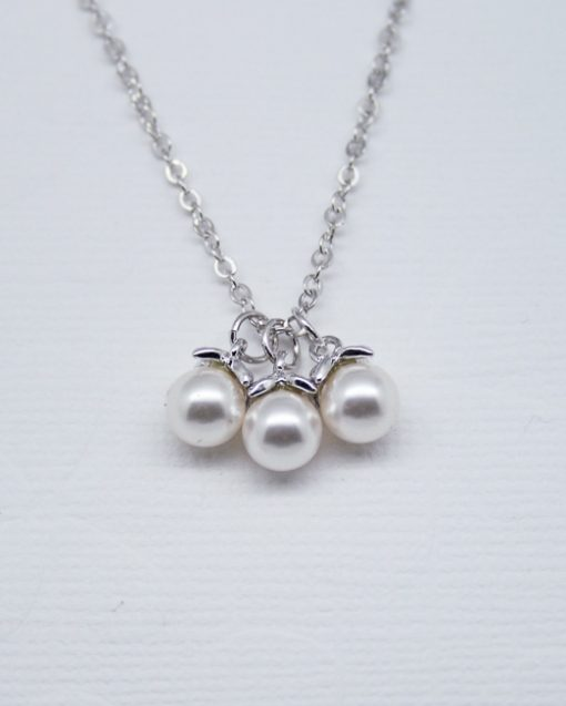 Three pearl drop necklace 1