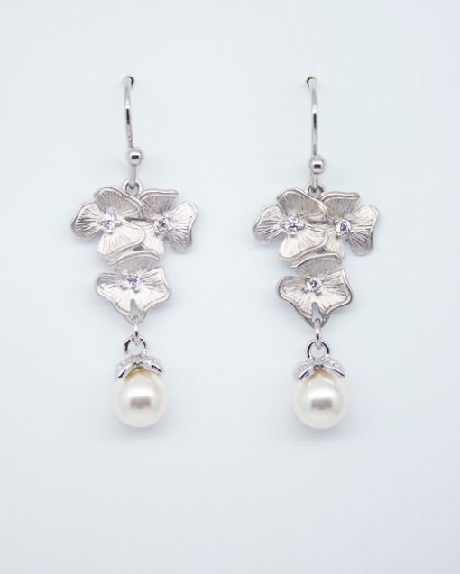 Triple flower and pearl drop earrings 1