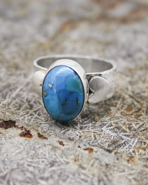 silver and turquoise ring with heart shoulders