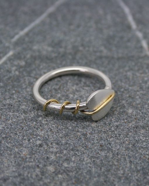 Sterling silver single leaf ring with brass tendrils 2
