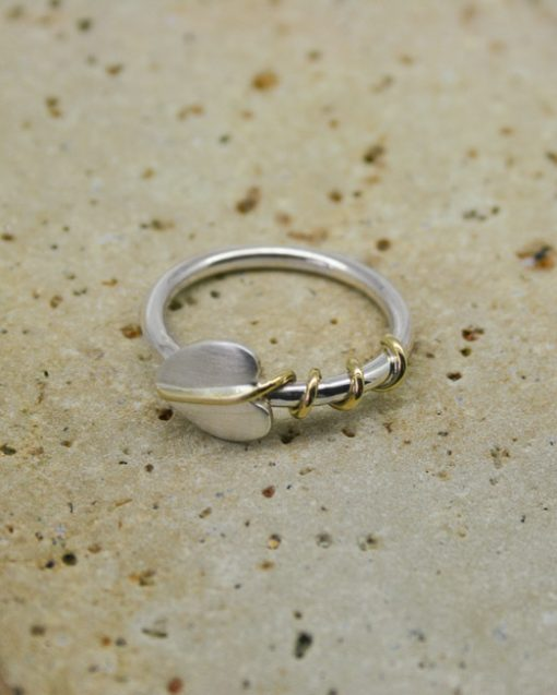 Sterling silver single leaf ring with brass tendrils 3