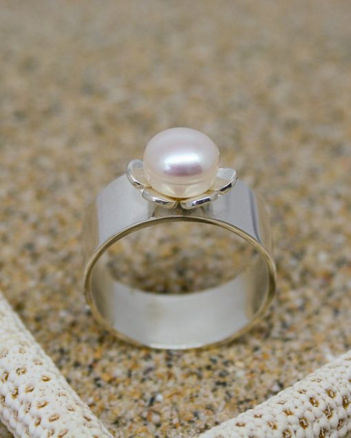 Wide sterling silver pearl and flower ring 3