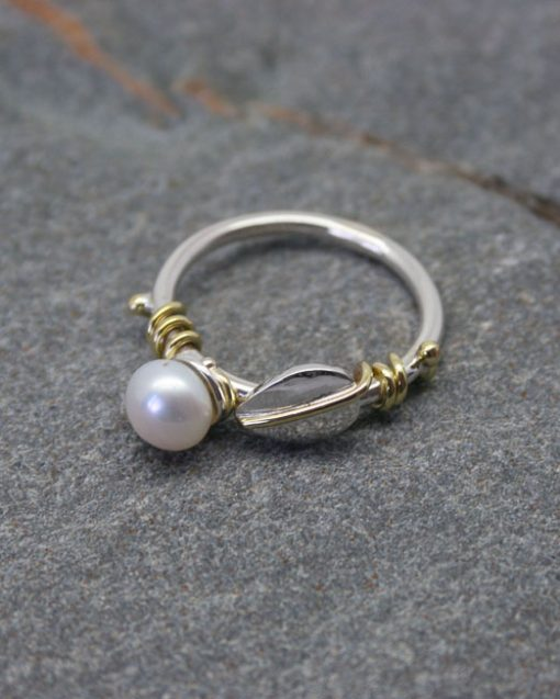 Sterling silver and pearl ring with leaves 4