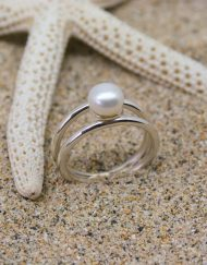 Silver double round wire band pearl ring