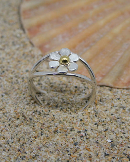 Sterling silver crossover daisy flower ring
